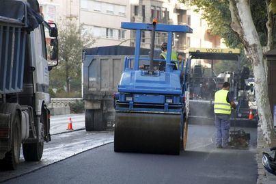Asfaltan varias calles en las barriadas de l'Olivera y Amanecer, en Palma