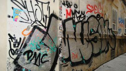 Cort limpiará graffitis en edificios privados a 10 euros el metro cuadrado