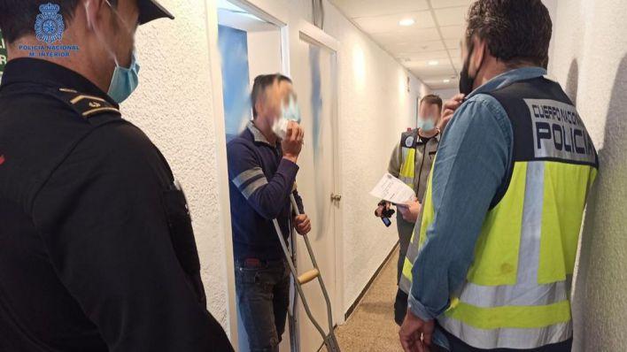 Detenidos dos inmigrantes llegados en patera por traer a argelinos ilegalmente