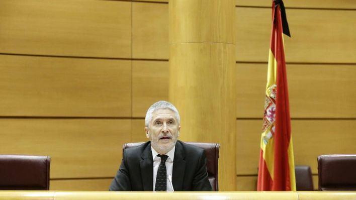 Marlaska viaja a Marruecos en medio de la crisis migratoria en Canarias y las peticiones de dimisión