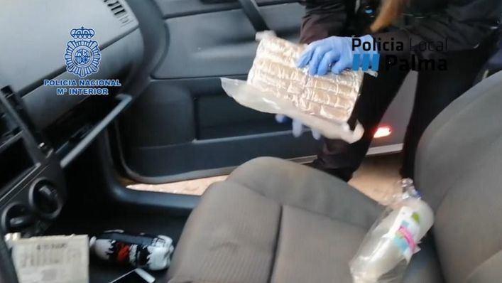 Detenidos con un kilo de hachís en Son Cladera