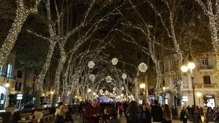 Salut quiere restricciones estrictas en Navidad para evitar un repunte en enero