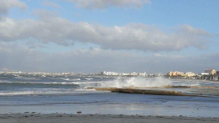 Vientos fuertes y temperaturas en ligero ascenso en Baleares