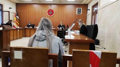 Condenado a cinco años por intentar matar a su compañero de piso clavándole unas tijeras en el cuello