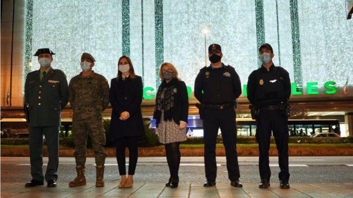 El Corte Inglés homenajea a sanitarios y Fuerzas de Seguridad en su tradicional encendido navideño