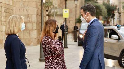 Armengol reclama a Sánchez en Palma PCR negativas a los pasajeros nacionales