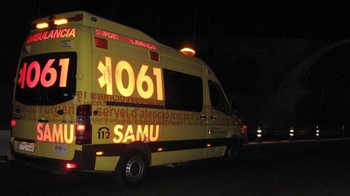 Una mujer, muy grave tras caer desde un quinto piso en Arxiduc Lluís Salvador