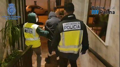 Dos detenidos por vender droga en un piso cercano a un colegio en el Vivero