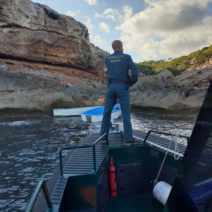 Interceptan una patera con 21 migrantes llegados a la costa de Ses Salines
