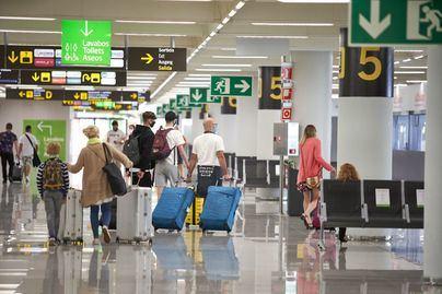 La llegada y el gasto de turistas se hunden un 93 por ciento en Baleares durante octubre