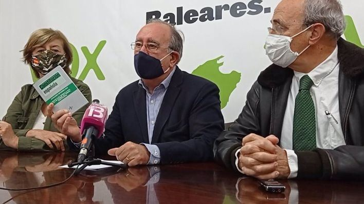 Vox invita a los ciudadanos a sumarse a la movilización en defensa de la Constitución