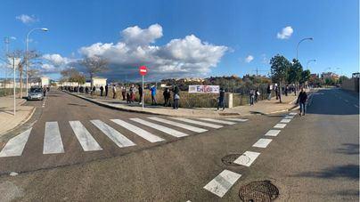 Nueva manifestación vecinal contra la hormigonera de Son Güells