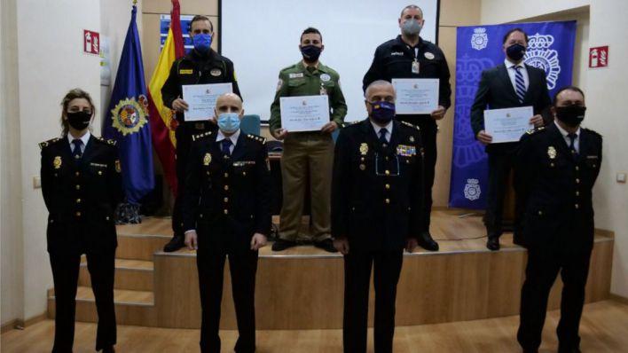 La Policía Nacional entrega en Palma cinco menciones honoríficas a vigilantes del seguridad