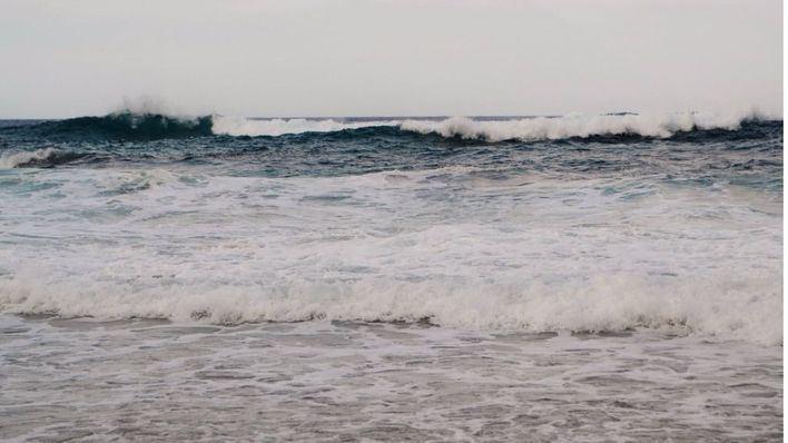 El viento y el oleaje obligan a cerrar el puerto de Ciutadella
