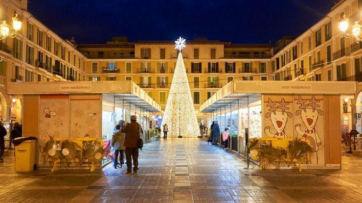 Cort adelanta el apagado de luces de Navidad a las 22 horas por el toque de queda
