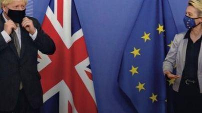 La Unión Europea y Reino Unido se imponen un 'esfuerzo adicional' y seguirán negociando