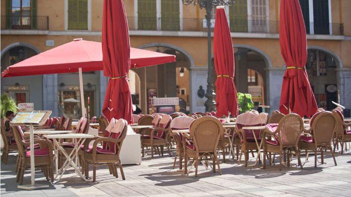 Mallorca en Fase 4: Bares y restaurantes sólo podrán servir en exteriores y cerrarán a las 18 horas los fines de semana