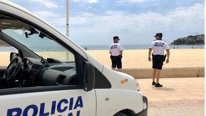 La Policía Local de Calvià desaloja una cafetería de Palmanova por exceso de aforo