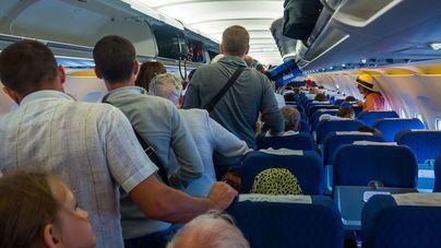 El precio de los viajes en avión bajó un 6,2 por ciento en el tercer trimestre, la mayor caída desde 2008