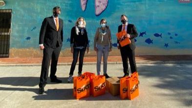 La fundación Regine Sixt dona mascarillas lavables a los niños de Son Gotleu