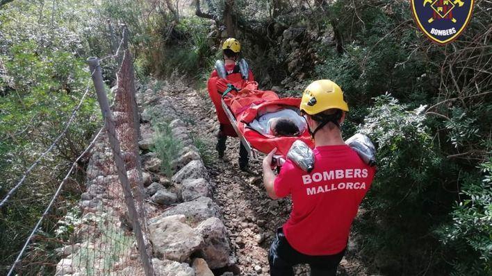 Rescatan a una menor de 12 años tras sufrir una caída en un paraje montañoso de Binissalem