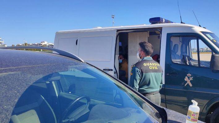 Seis argelinos detenidos tras llegar en patera a es Caló, Formentera