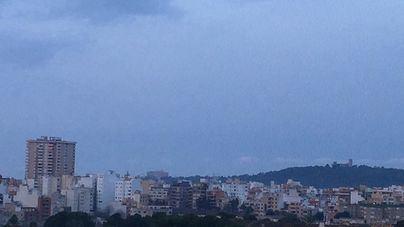 Descenso de temperaturas y cielos cubiertos en Baleares