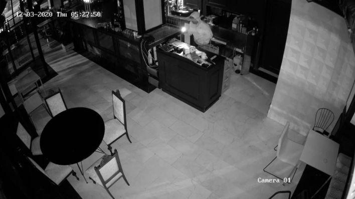 Detenido un joven de 18 años por el robo del Emblemàtic
