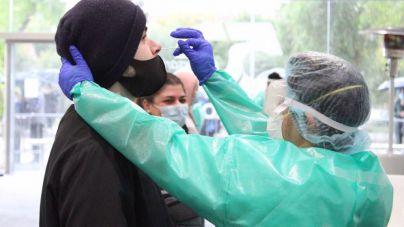 Sube a 14 el número de clínicas de Barcelona en las que los baleares pueden hacerse una PCR