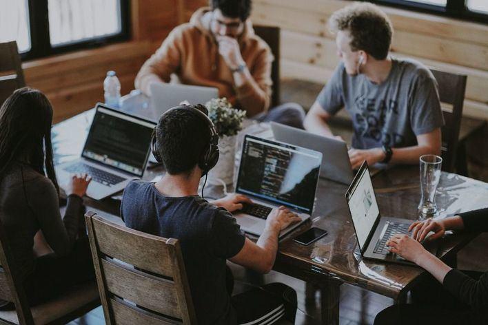 El empleo juvenil cae un 32,2 por ciento en Baleares durante 2020