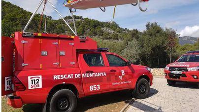 Los Bomberos de Mallorca rescatan a una mujer tras una caída en Es Tossals Verds