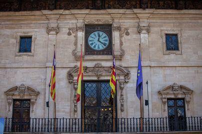 Palma cierra sus servicios y centros municipales desde las 20:00 por el Covid