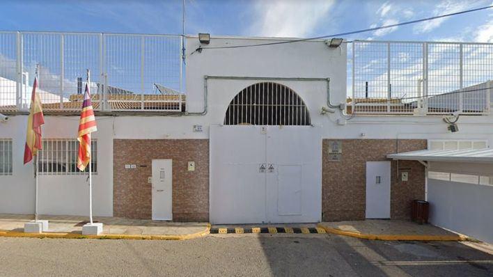 Encuentran ahorcado a un preso italiano en su celda de la cárcel de Ibiza
