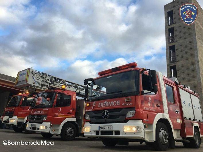 Dos incendios en Lloseta y Llucmajor obligan a actuar a los bomberos en la primera noche del año