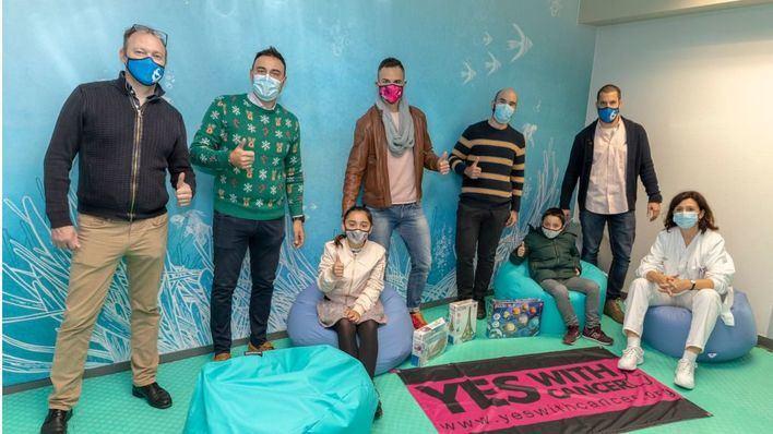 Yes With Cancer y Campus Esport UIB entregan la nueva equipación de la sala de psiquiatría infantil de Son Espases