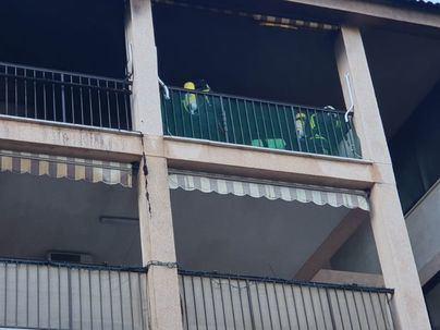Dos desalojados al incendiarse un piso en s'Arenal