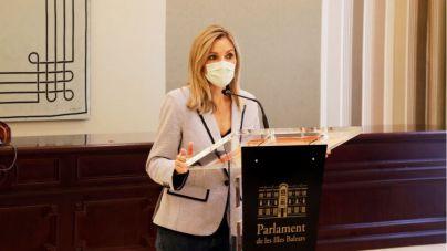 Cs pide que la consellera Gómez informe de la vacunación en el Parlament