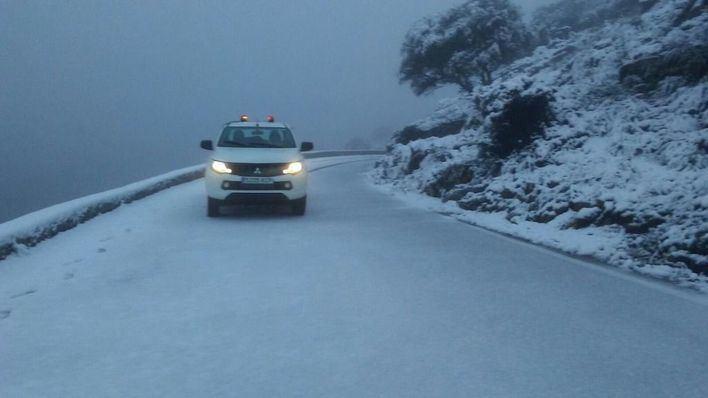 Cerrado un tramo de la carretera de la Serra por nieve