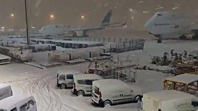 Cancelados más de una docena de vuelos en Baleares tras el cierre del espacio aéreo de Madrid