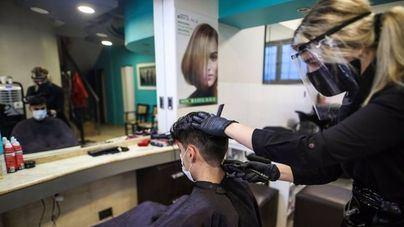 Covid: Más de 2.000 peluquerías reclaman 150 millones a la Administración por la caída del negocio