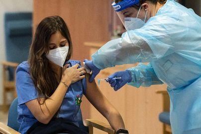 La vacuna de Pfizer no tiene más contraindicaciones en alérgicos que en la población general