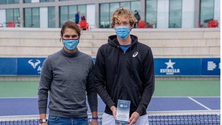 El suizo Antoine Bellier se corona en la Rafa Nadal Academy conquistando el torneo ITF