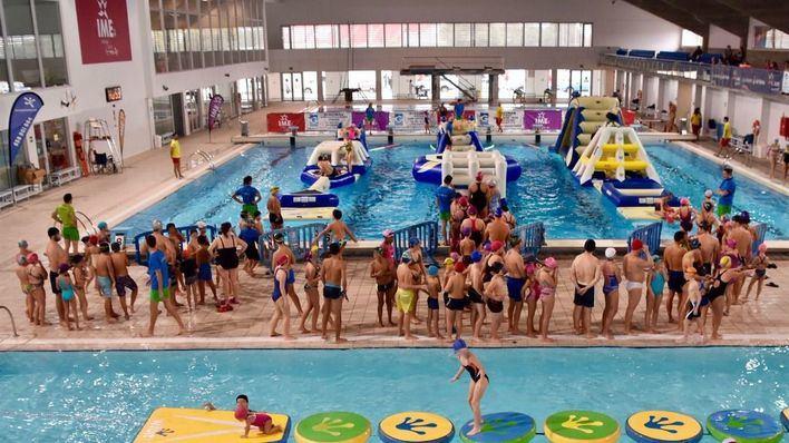 Cort cierra sus piscinas y pabellones deportivos para adaptarse a las restricciones