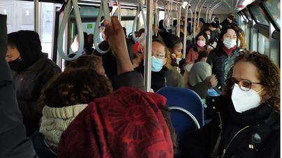 Conato de amotinamiento en un autobús de la EMT a rebosar de viajeros