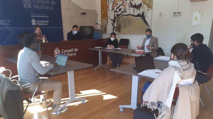 Podemos 'no se cierra' a investigar la etapa de Armengol en la comisión de menores tuteladas