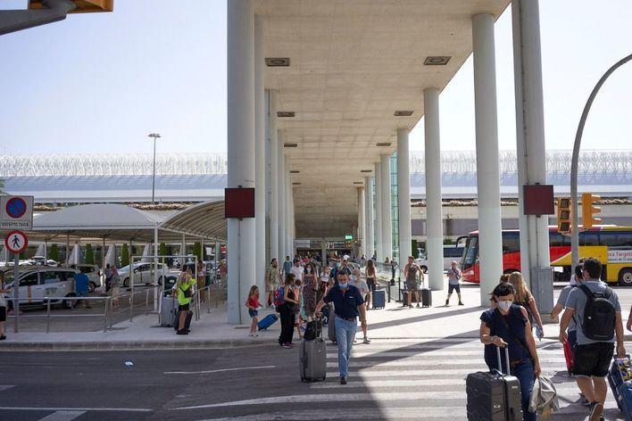Todos los viajeros nacionales deberán presentar una PCR negativa al llegar a Baleares