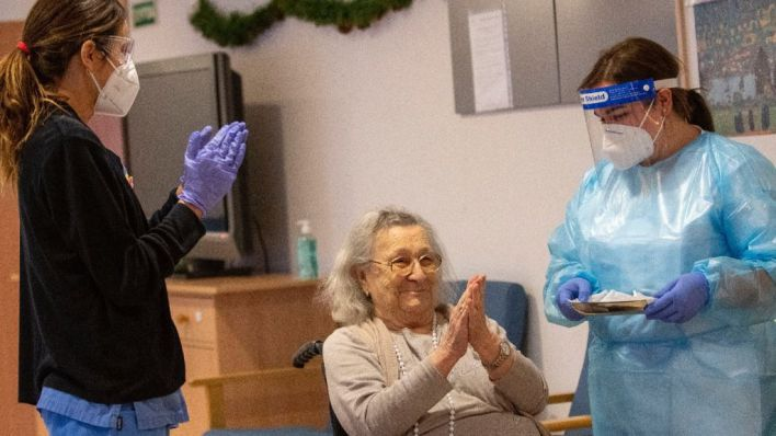 Salut comenzará a inyectar la segunda dosis de Pfizer a ancianos este domingo