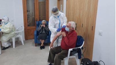 Los usuarios y el personal de la residencia de Muro dan negativo en las pruebas PCR