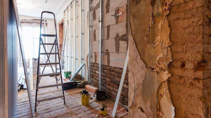 Juzgan a un hombre por estafa en la reforma de una casa en Palma