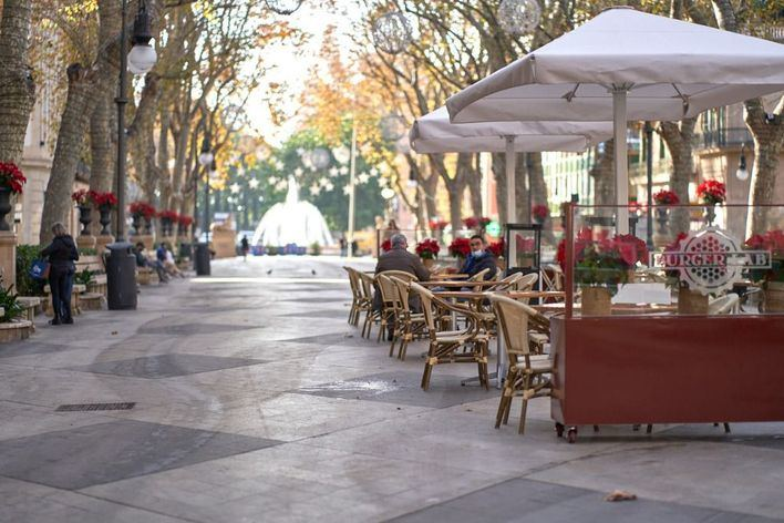 El 13 por ciento de negocios de hostelería no ha rescatado del ERTE a ningún trabajador